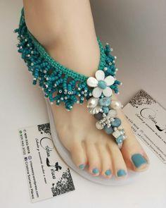 Crochet Sandals, Beaded Sandals, Crochet Slippers, Cute Toe Nails, Cute Toes, Crochet Flip Flops, Decorating Flip Flops, Girls Spring Dresses, Miniature Photography