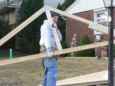 EGStoltzfus team members work together in construction.