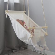 Low Shipping Price Byel Calm Toddler and Baby Gift Swing Baby Cradle Swing, Baby Swings, Baby Nursery Decor, Baby Decor, Baby Chair, Diy Bebe, Baby Sewing Projects, Baby Hacks, Baby Crafts