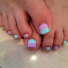 Spring pedicure - kind of like this idea... doing this