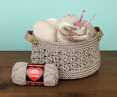 Beachcomber Basket made with Red Heart Cordial
