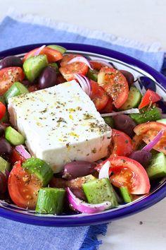 Salade Healthy, Healthy Food, Healthy Recipes, Caprese Salad, Cobb Salad, Happy Foods, Snack Bar, Hello Summer, Healthy Lifestyle