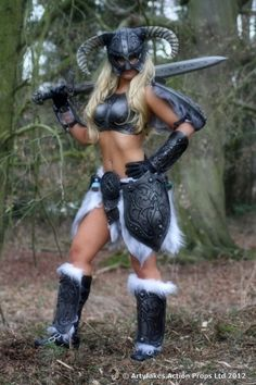 Ladies in hot helmuts | Skyrim Dovahkiin Armor specially made for the geeky ladies