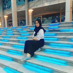 #hijab #nike Casual Hijab Outfit, Nike, Outfits, Suits, Kleding, Outfit, Outfit Posts, Clothes