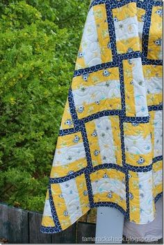 hand made quilt ... luv the design ... navy print dividers for three strip blocks of yellow and white ... inspiration for quilt card  ...