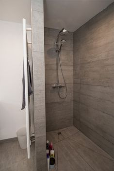 Cosy Bathroom, New Bathroom Ideas, Bathroom Toilets, Bathroom Renos, Bathroom Layout, Bathroom Inspiration, Master Bathroom, Tiny Bathrooms, Bad Inspiration