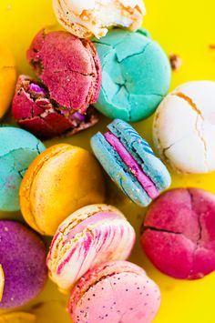 Macaron Wallpaper Wallpapers) – Wallpapers and Backgrounds Macaron Wallpaper, Macarons, Dessert Original, French Macaroons, Belle Photo, Sweet Tooth, Food Photography, Sweet Treats, Yummy Food