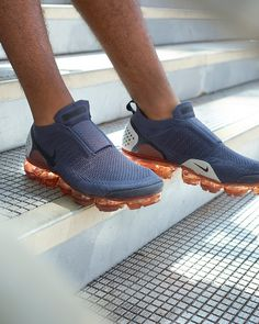 Sneakers Nike : Nike Air Vapormax Flyknit 2 Moc - Sneakers Nike - Ideas of Sneakers Nike - Sneakers Nike : Nike Air Vapormax Flyknit 2 Moc Sneakers Mode, Sneakers Fashion, Shoes Sneakers, Nike Air Vapormax, Dream Shoes, Sports Shoes, Me Too Shoes, Running Shoes, Nike Running