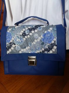 Sac Quadrille bleu fleuri cousu par Christine - Patron Sacôtin