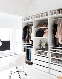 Dressing Ikea: the most stylish models – Elle Décoration – Typical Miracle Smart Closet, Ikea Closet, Closet Bedroom, Bedroom Decor, Wall Decor, Pax Closet, Closet Office, Desk Office, Closet Space