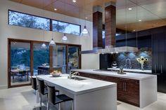 Luxurious contemporary estate in Texas merges indoor-outdoor living