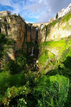 Espanjan 12 mieleenpainuvaa maisemaa