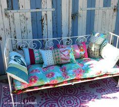 """Coussin déco boho """"Patchwork aux couleurs tendres"""" 50 x 30, rempli & déhoussable : Textiles et tapis par lacompagniedupatchwork"""