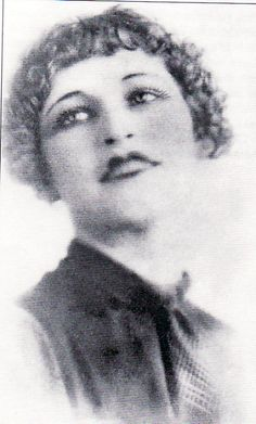 """glamour"" shot of a young Bonnie Parker"