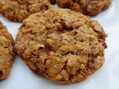Pour recycler un vieux paquet de muesli croustillant voici la recette super simple des biscuits au muesli croustillant . Facile, rapide et un régal.