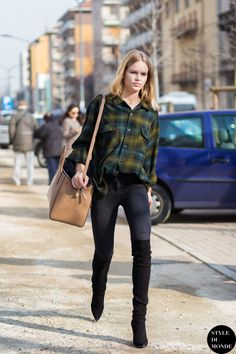 #AnnaEwers having a plaid moment #offduty in Milan.