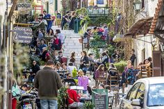 Athens beyond Acropolis: Learn about the everyday life of the ancient Athenians and their involvement in public affairs in the Cradle of Democracy. Now, dive into the lively atmosphere of the Flea Market and the Plaka, discover local products and indulge in a street food experience.