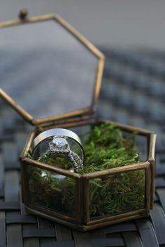 Diamond Wedding Ring Portrait | Unique Wedding Ring Boxes | Antique Wedding RIng Box with Moss| Saint Petersburg Wedding Photographer Roohi Photography: