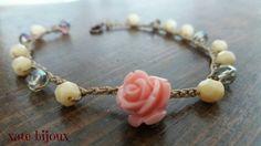 Guarda questo articolo nel mio negozio Etsy https://www.etsy.com/it/listing/504833935/bracciale-con-cristalli-e-rosellina