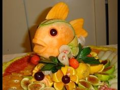 Edible fruit arrangement - Palm tree centerpiece - YouTube