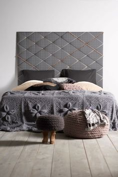 The most amazing knitted blanket on this bed. It must weigh a ton! 45 Cool Headboard Ideas To Improve Your Bedroom Design Diy Bed Headboard, Cool Headboards, Headboard Ideas, Wooden Headboards, Homemade Headboards, Cushion Headboard, Tufted Headboards, Headboard Designs, Home Bedroom