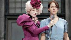 Effie Trinket (Elizabeth Banks) and Katniss Everdeen (Jennifer Lawrence) in The Hunger Games . The Hunger Games, Hunger Games Costume, Hunger Games Movies, Katniss Costume, Katniss Everdeen, Mockingjay, Tom Gates, Jennifer Lawrence, Jokes