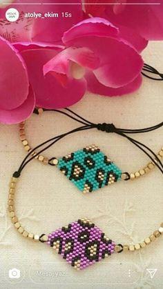 Seed Bead Jewelry, Bead Jewellery, Beaded Jewelry, Seed Bead Patterns, Beading Patterns, Hello Kitty Crafts, Beaded Earrings, Beaded Bracelets, Diy Jewelry Inspiration