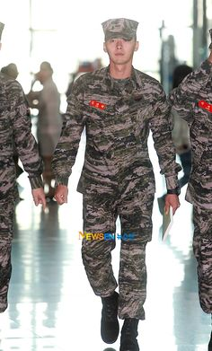 Hyun Bin on Check it out! no wonder there's mandatory military service in south korea.