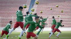 Como si fuera a prepararse para una guerra. Aunque a veces, por pasajes de los partidos da la impresión que sí. De esa forma se prepara la Selección de Bolivia en la previa al choque ante Uruguay por las Eliminatorias Rusia 2018.