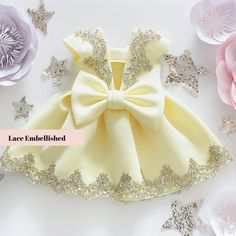 Elegant Family Look for Mother and Daughter Luxury Matching Princess Flower Girl Dresses, Dresses Kids Girl, Kids Outfits Girls, Girls Party Dress, Dress Girl, Fashion Kids, Baby Frocks Designs, Kids Dress Patterns, Baby Dress Design