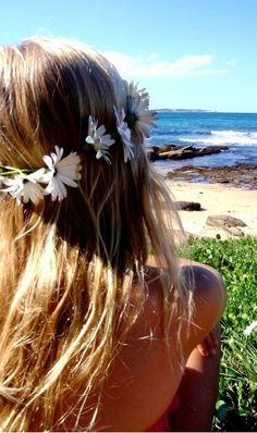 beach, daisy chain....
