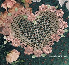 New York Vintage Linens Thread Crochet, Filet Crochet, Irish Crochet, Crochet Crafts, Doily Patterns, Weaving Patterns, Crochet Patterns, Crochet Furniture, Doily Art