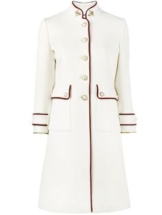Grab your coat. From Burberry and Max Mara to Gucci, the Farfetch edit of single breasted coats for women seriously on point. Look Fashion, High Fashion, Luxury Fashion, Fashion Outfits, Womens Fashion, Fashion Design, Haute Couture Style, Coat Dress, Dress Up