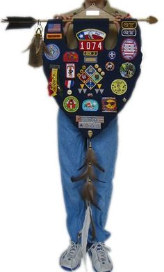 Will make one for my son when he becomes eagle scout! Cool Banner for Cub Scout awards, attaches to AOL Cub Scouts, Wolf Scouts, Scout Mom, Girl Scouts, Tiger Scouts, Cub Scout Crafts, Cub Scout Activities, Cub Scout Patches, Arrow Of Light Ceremony