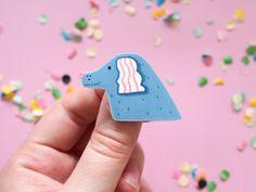 Süße Brosche für Hunde-Liebhaber. Zu kaufen bei Etsy.