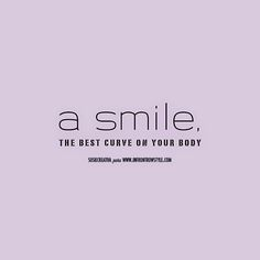 Poster A Smile to In frot row style blog by Susie Creativa I Love Fashion, Style Blog, My Style, Funny Memes, Smile, Good Things, Graphic Design, Writing, Words