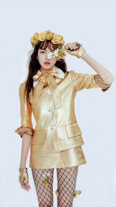 Lisa Bp, Jennie Lisa, Blackpink Fashion, Korean Fashion, Divas, Lisa Blackpink Wallpaper, Korea Wallpaper, Blackpink Photos, Blackpink Jisoo