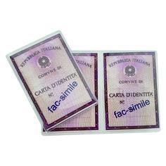 Porta carta d'identità  Quantità: 1000 pz.  Materiale: pvc trasparente tipo cristallo. Personalizzabile in serigrafia.  Colore disponibile Trasparente  Dimensione: cm 12x17 aperto