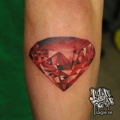 Diamond Artist: Sagie, Unikum tattoo, Gothemburg
