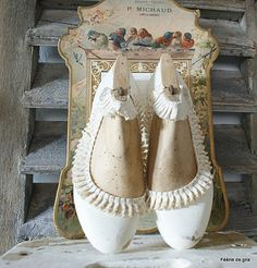 Shabby Home, Shabby Chic, Paper Shoes, Shoe Stretcher, Wooden Shoe, Shoe Last, Doll Shoes, Vintage Shoes, Creative Inspiration
