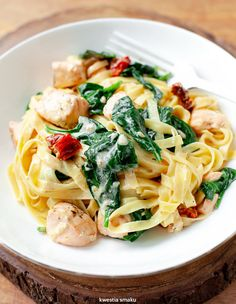 Pasta Recipes, Snack Recipes, Healthy Recipes, Salmon Pasta, Tasty, Yummy Food, Fish And Seafood, Food And Drink, Meals