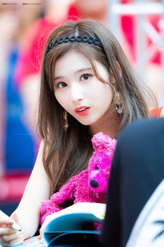 Sana-Twice 180722 Fansign Event Nayeon, South Korean Girls, Korean Girl Groups, Sana Cute, Couple With Baby, Twice Album, Sana Momo, Sana Minatozaki, Twice Jihyo