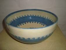 Kähler (Herman A. Kähler) bowl. H: 10,5 cm D: 26 cm from 1940-50s. Signed HAK. #kahler #ceramics #pottery #hak #bowl #dansk #keramik #skaal #Danish SOLGT/SOLD on www.klitgaarden.net