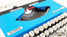 10% Sale The bluebird OLYMPIA Traveller De by Typewriteralley