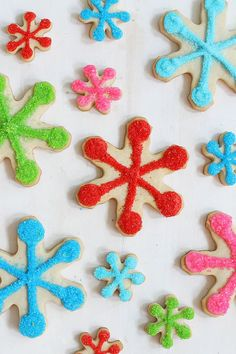 SNOWFLAKE COOKIES -- Easy bright and colorful snowflake cookies with royal icing and sprinkles. SNOWFLAKE COOKIES -- Easy bright and colorful snowflake cookies with royal icing and sprinkles. Chocolate Marshmallow Cookies, Chocolate Chip Shortbread Cookies, Toffee Cookies, Spice Cookies, Royal Icing Cookies, Yummy Cookies, Sugar Cookies, Owl Cookies, Best Christmas Cookies