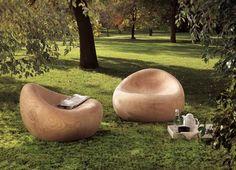 Poltrone: Poltrona Maui di Riva 1920 | Design: Terry Dwan | Anno: 2008 | Materiali Cedro | Ideale sia per arredamenti interni che per esterni.