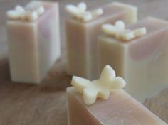 """ファルファッラ sapone """"farfalla"""", butterfly shaped soap embedded"""