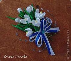 картины канзаши мастер класс: 25 тыс изображений найдено в Яндекс.Картинках Kanzashi Tutorial, Ribbon Crafts, Paper Quilling, Fabric Flowers, Satin, Ideas, Home, Burlap Flowers, Elastic Satin
