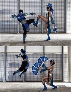 Cosplayers de MK lutando
