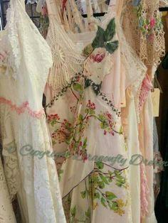 Dragonfly Dreams Clothing (repurposed slips with doilies, trims, etc. Bohemian Mode, Boho Gypsy, Hippie Boho, Bohemian Style, Boho Chic, Shabby Chic, Vintage Outfits, Vintage Dresses, Boho Fashion